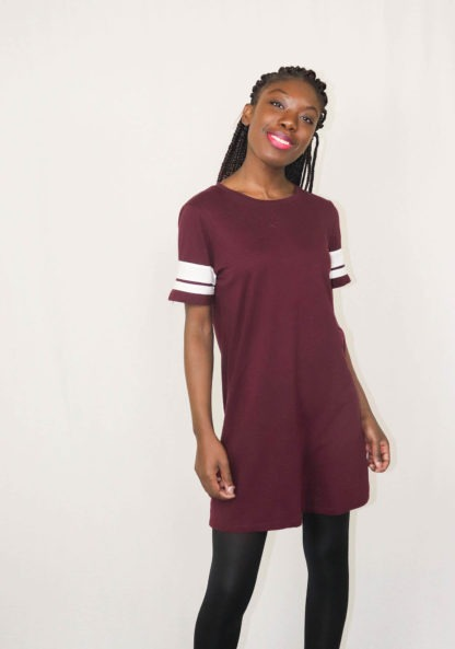 robe-bordeaux-bandes-blanches-1
