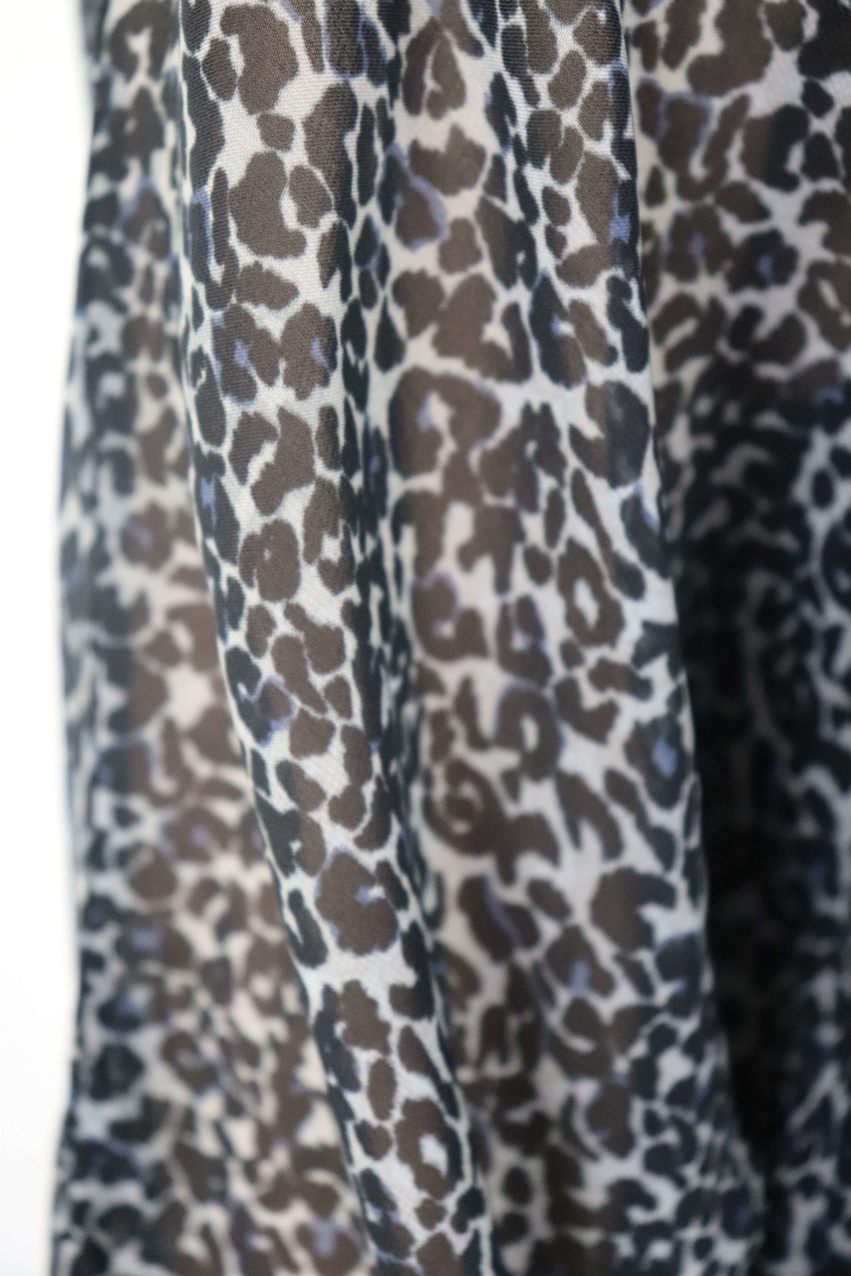 chemisier-transparent-leopard-3