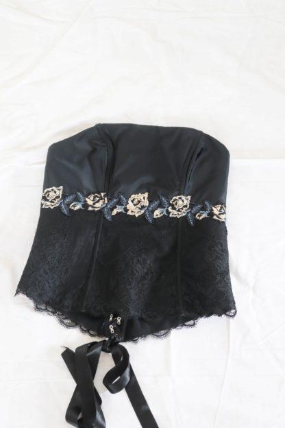 bustier col carré noir broderie fleurs (4)
