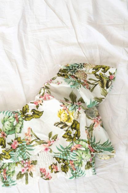 crop top asymétrique blanc motif fleuri (3)