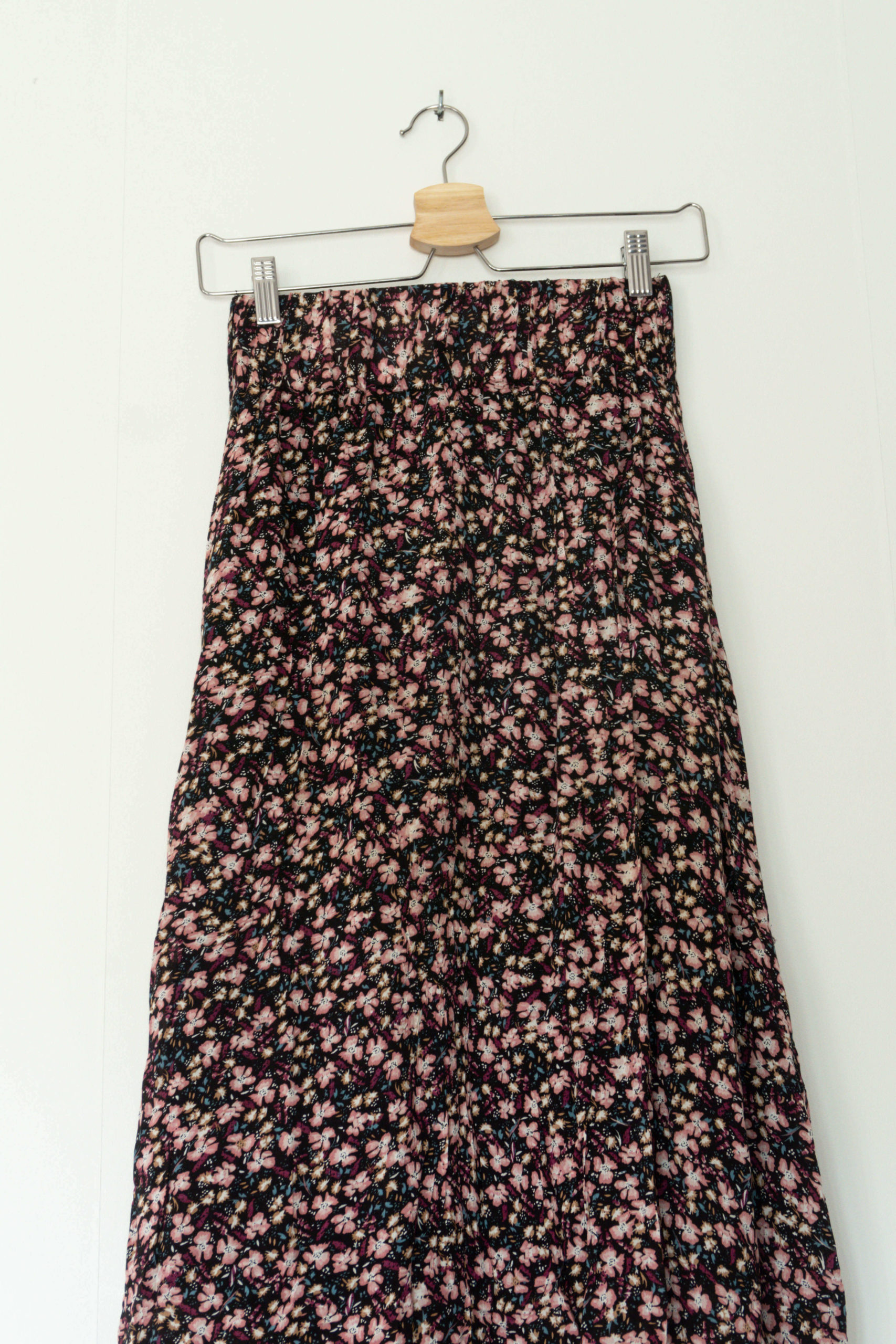 jupe longue noir motif fleuri (3)