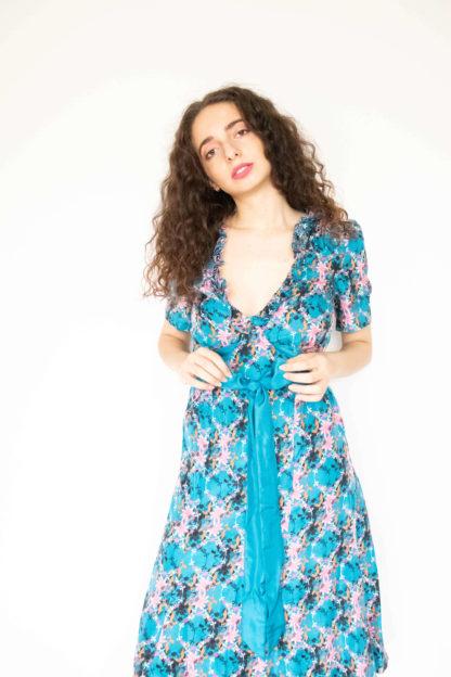 robe en soie bleu motif fleuri (1)