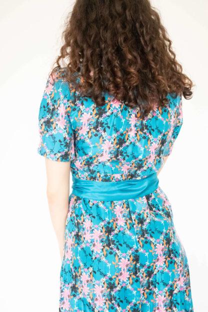 robe en soie bleu motif fleuri (2)
