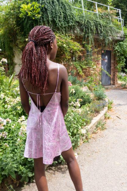 robe nuisette rose motif années 2000 (2)
