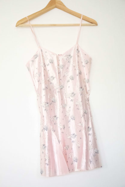 robe nuisette rose poudré motif fleuri (4)