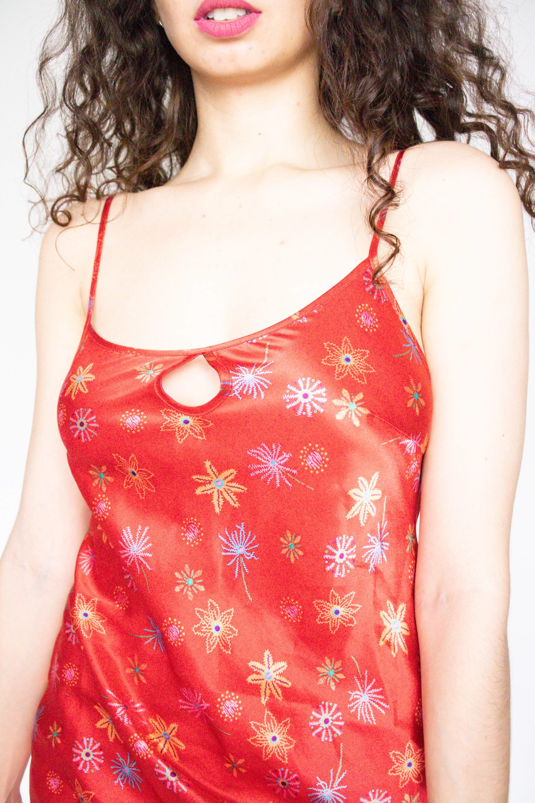 robe nuisette rouge petit décolleté (3)