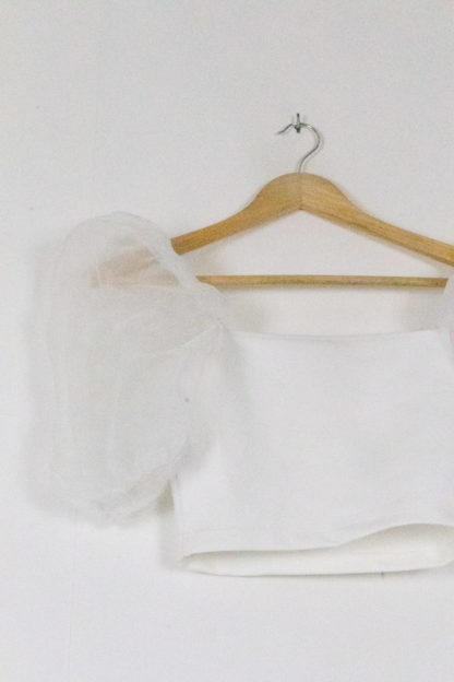 crop top blanc manches ballons transparents (1)