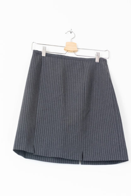 jupe tailleur moulante grise à rayures (3)