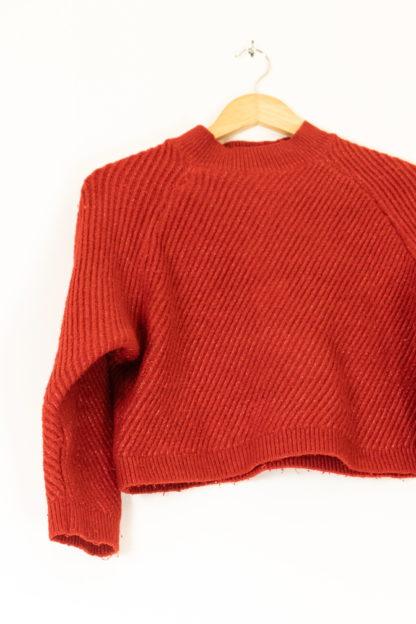 pull rouge cotelé crop top (5)