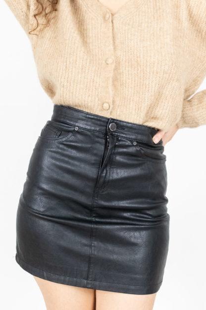 jupe noir en simili cuir (3)