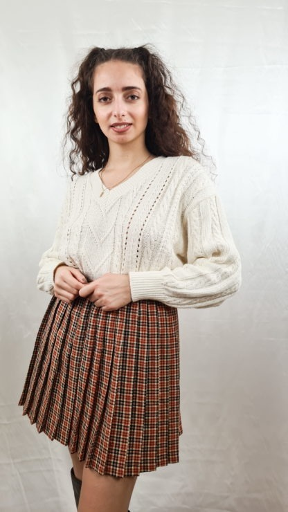 pull blanc tressé col V (2)