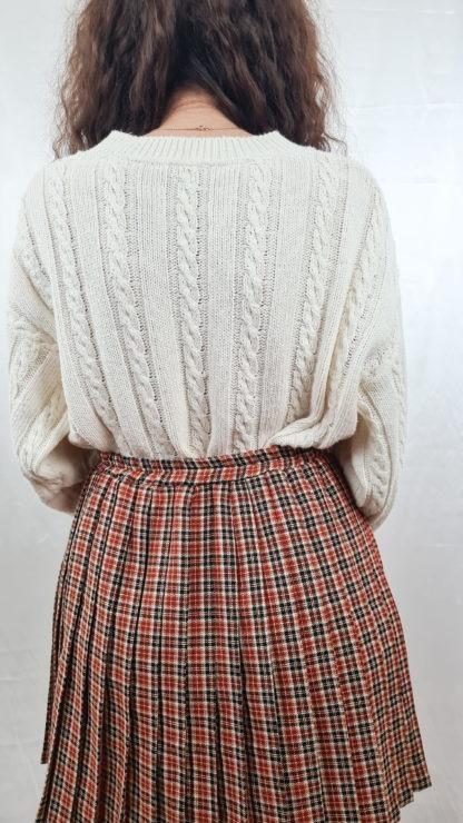 pull blanc tressé col V (5)