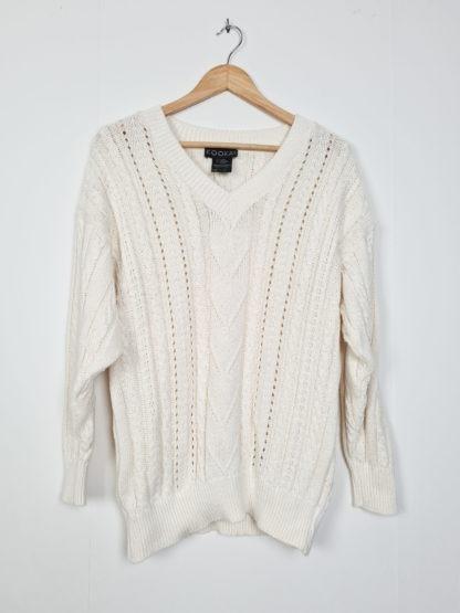 pull blanc tressé col V (7)