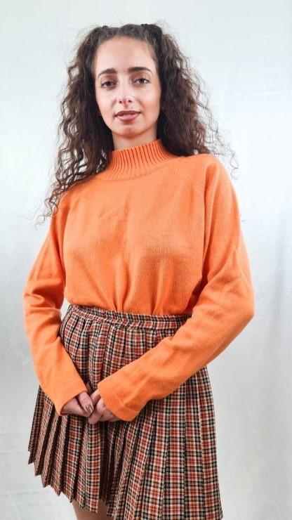 pull orange col roulé (4)