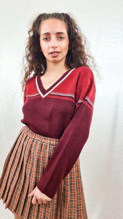 pull rouge bordeaux cotelé col V (3)