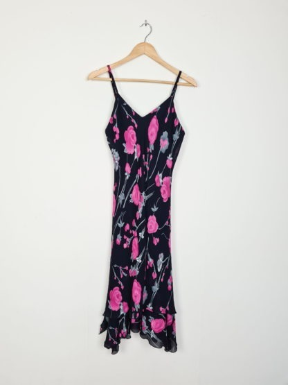 robe fluide noir à motif fleuri (5)