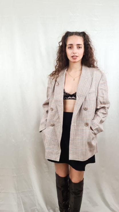 tailleur jupe beige à carreaux roses (4)
