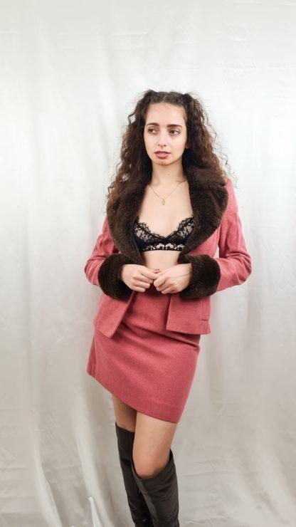 tailleur jupe fausse fourrure manches col rose marron (5)