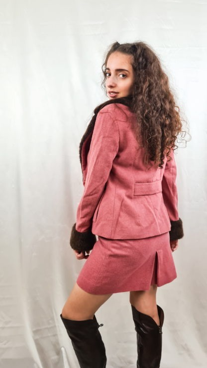 tailleur jupe fausse fourrure manches col rose marron (6)