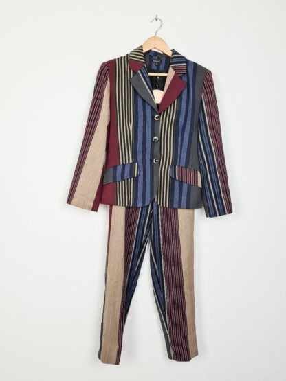 tailleur pantalon à rayures verticales (1)