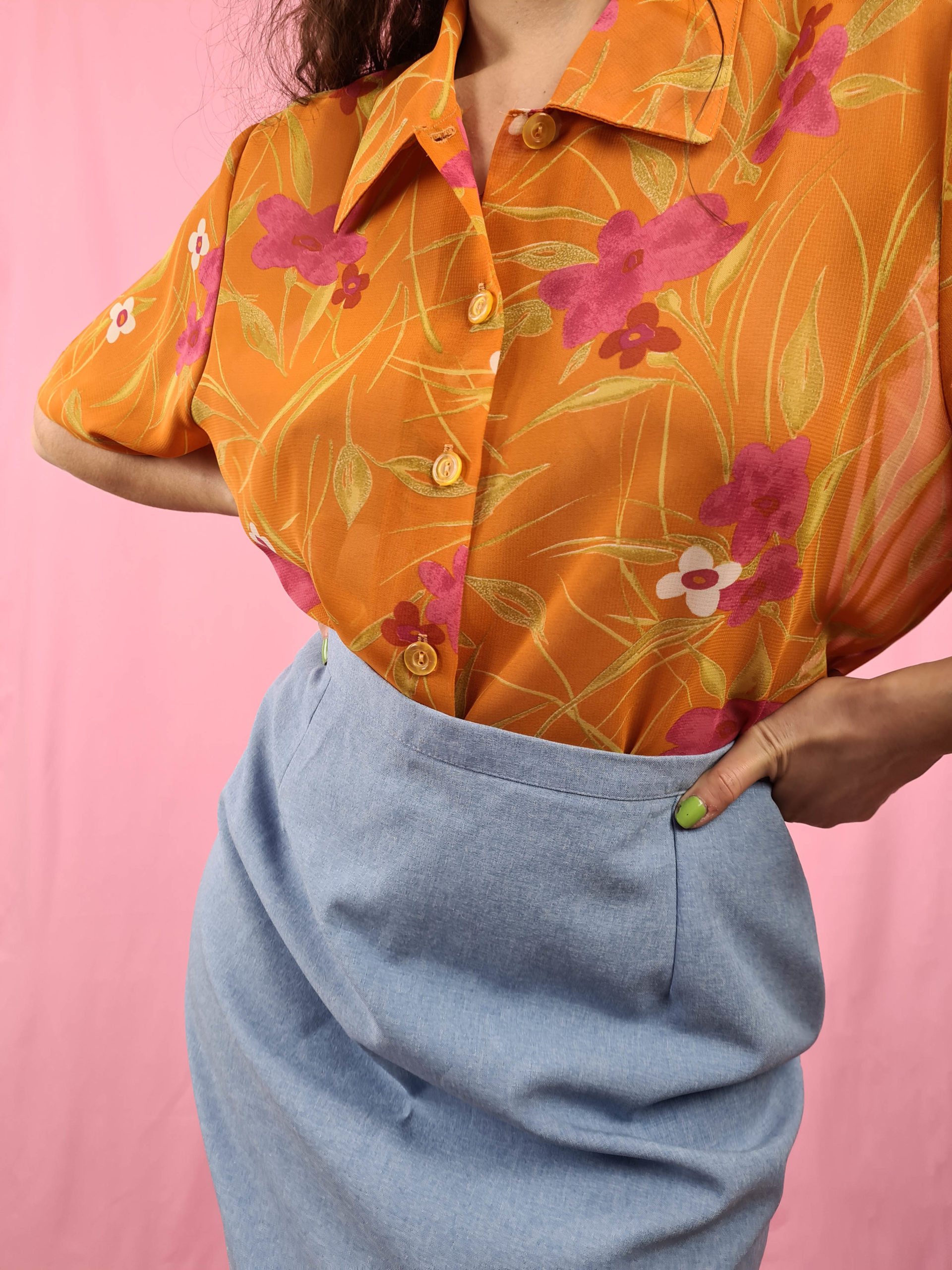 chemise orange fleurie manches courtes (3)