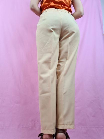 pantalon à pince jaune pastel (6)