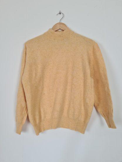 pull jaune col montant (5)