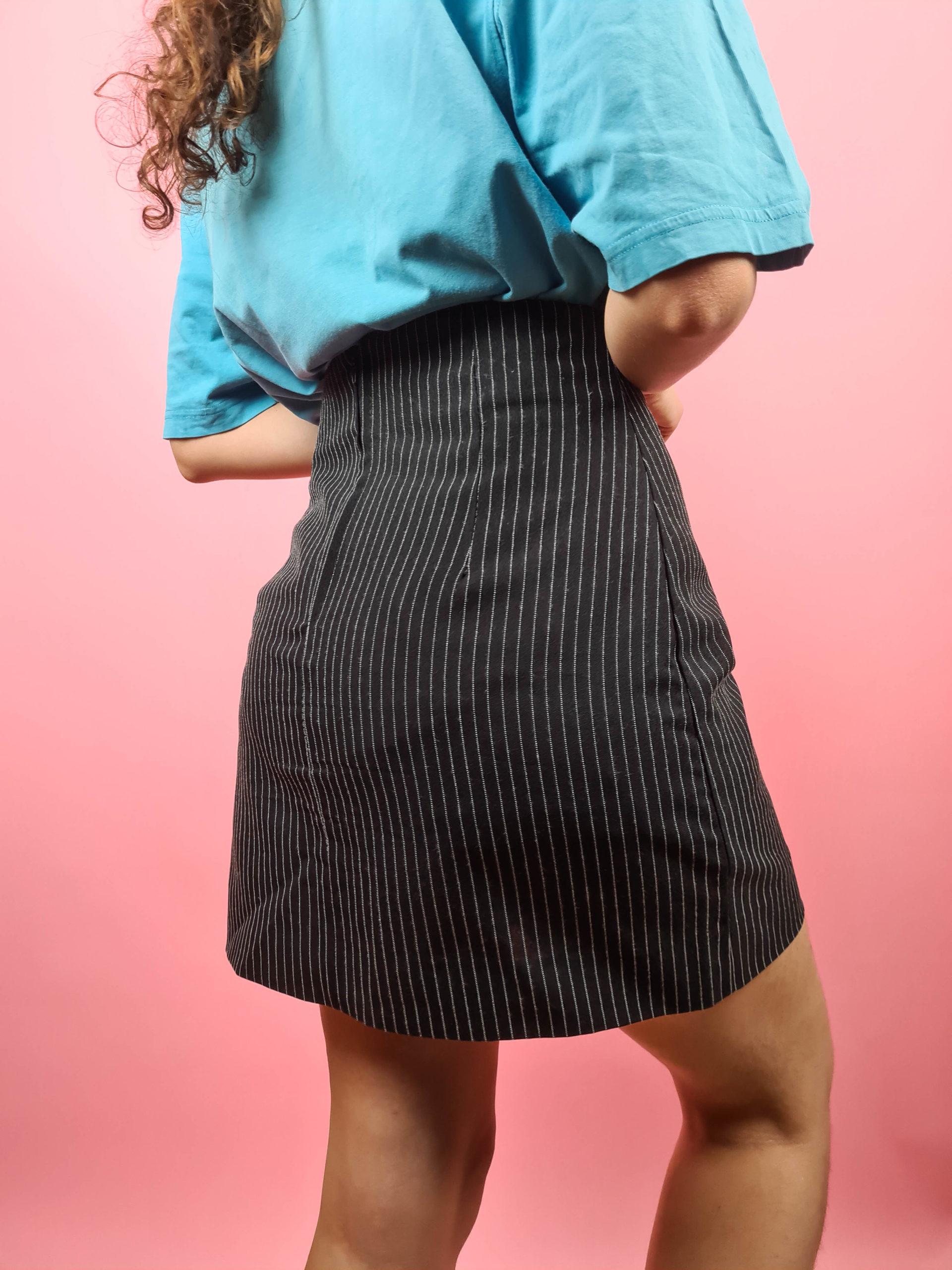 minijupe noire à rayures blanches (5)