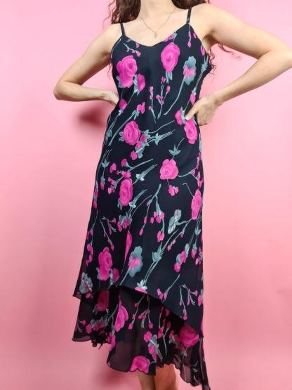 robe fluide noir à motif fushia années 2000 (7)