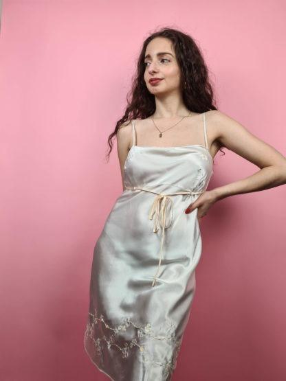 robe nuisette blanche broderies fleuris (3)