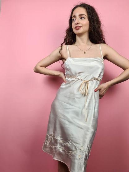 robe nuisette blanche broderies fleuris (6)