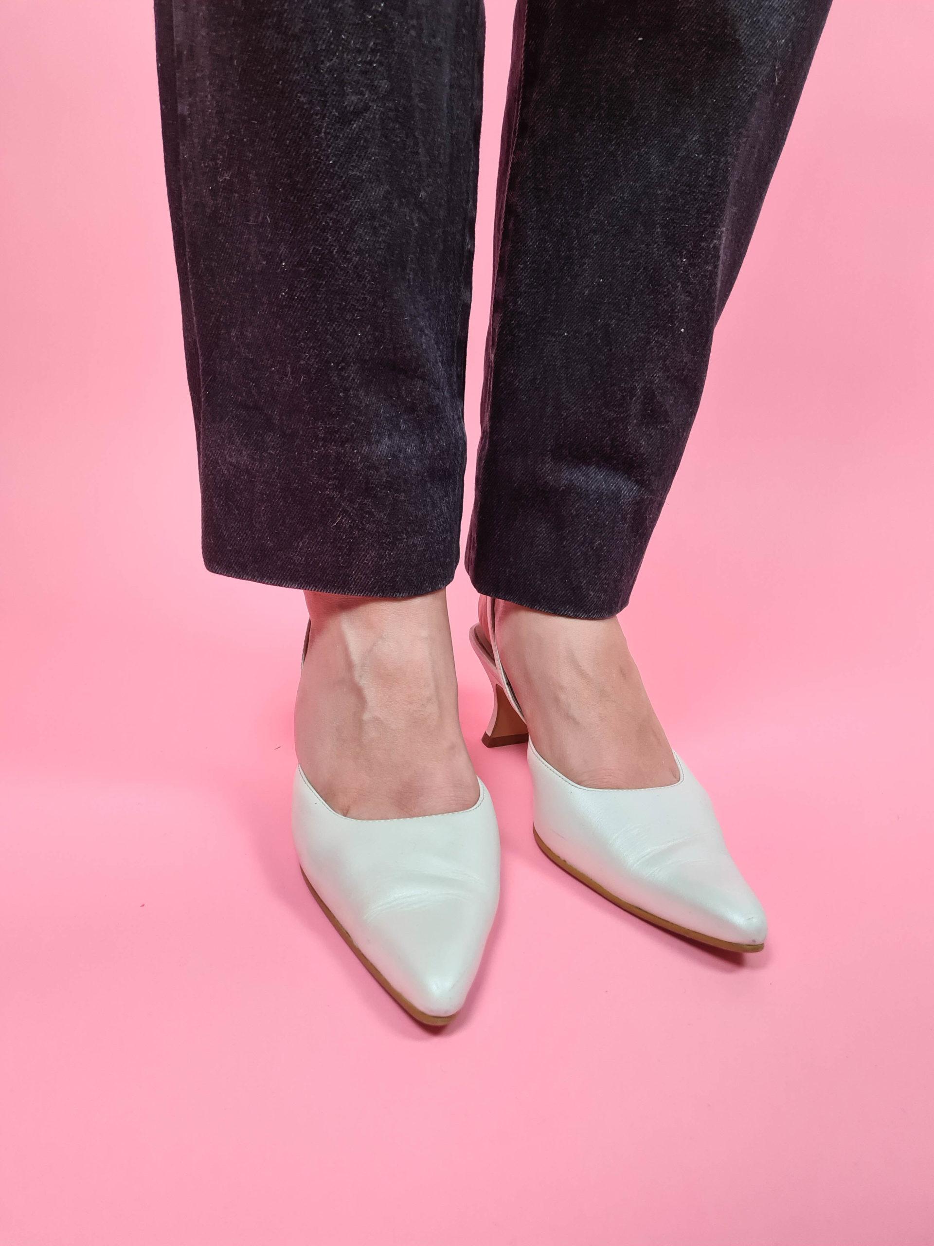 chaussures d'été blanches satinées (1)