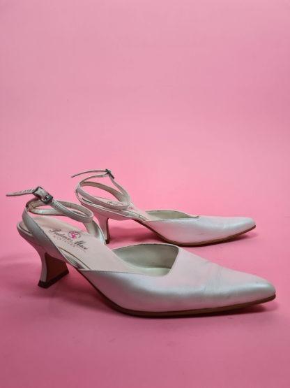 chaussures d'été blanches satinées (5)