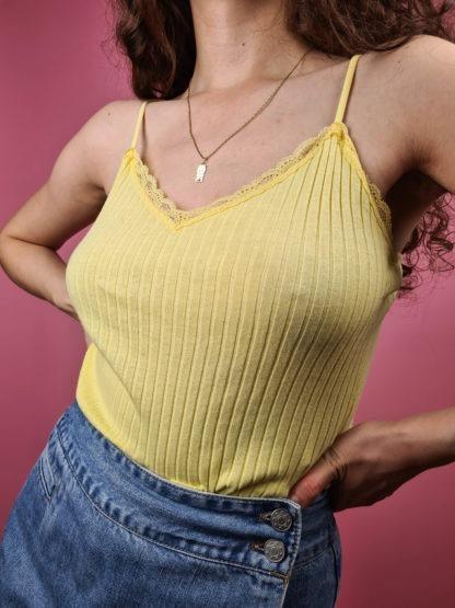 petit top jaune cotelé (13)